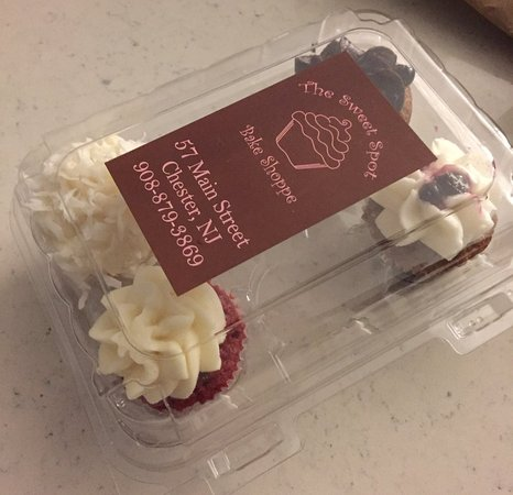 Chester, NJ: Mini cupcakes in red velvet, blueberry, chocolate and coconut!