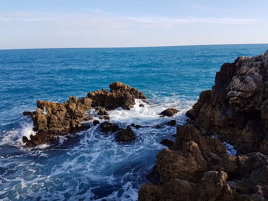 water splash on rocks picture of le sentier du littoral cap d