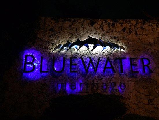Bluewater Maribago Beach Resort: ホテル入口
