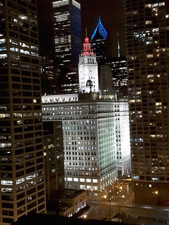Homewood Suites by Hilton Chicago-Downtown: Wrigley Building at night from the room