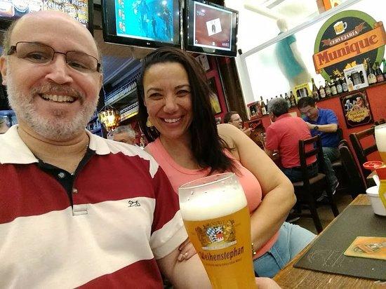 Munique: Eu com minha noiva, curtindo a casa!!!