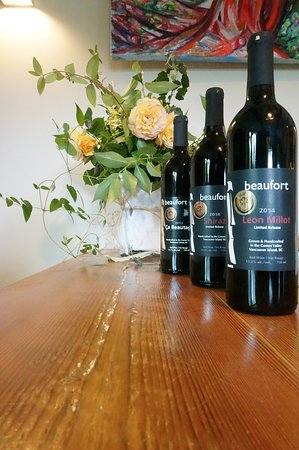 Courtenay, Canada: Award winning wines at Beaufort