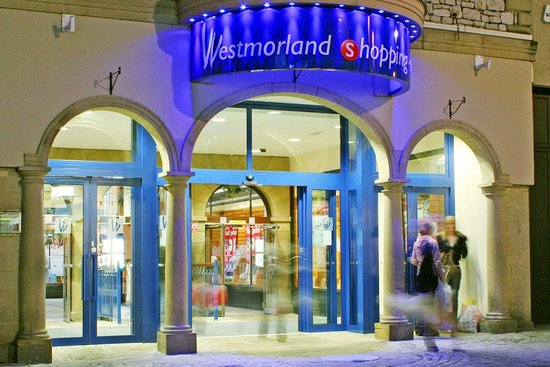 Kendal, UK: Westmorland Shopping Centre - Stricklandgate entrance