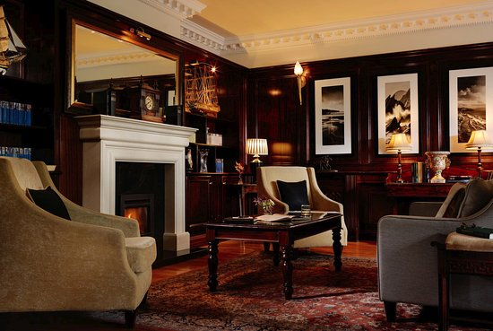 Ballygarry House Hotel & Spa: The Library