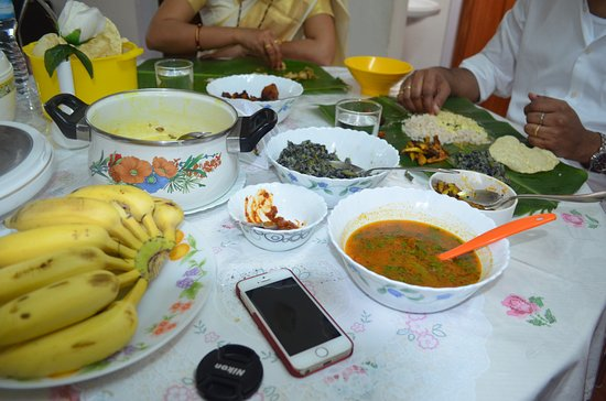 traditional kerala food at lizmerry casa