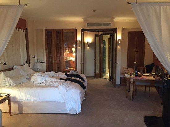 "Costa d'en Blanes, España: Large 6'6"" bed very comfortable"