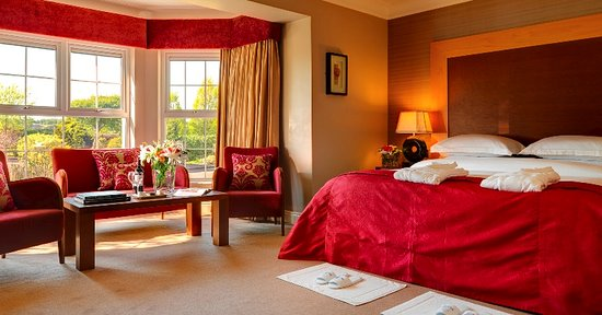 Ballygarry House Hotel & Spa: Junior Suite