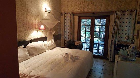 Sedia Riverside Hotel Photo