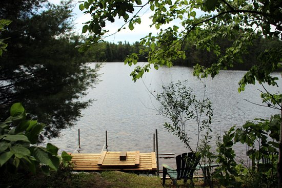 Verona, Canada: We have private island rentals, trailers and campsites available!