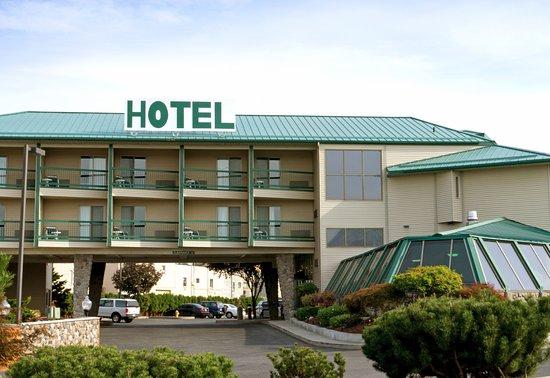 East Wenatchee, WA: Front of Hotel