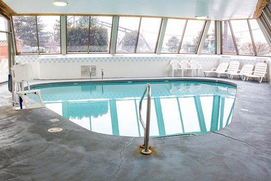 East Wenatchee, WA: Indoor Pool