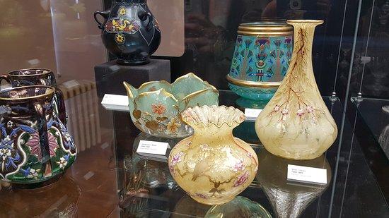 vases - obrázek zařízení Muzeum skla a bižuterie v Jablonci nad ... 796a2f8f85