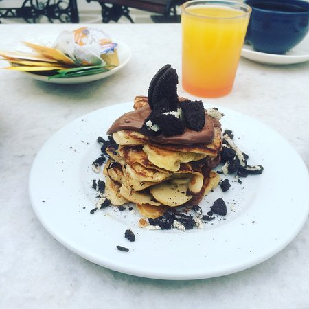 Taki's Place: pancakes for breakfast & more