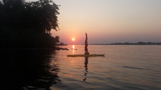 Tri-Cities, Ουάσιγκτον: SUP Yoga at Sunset.
