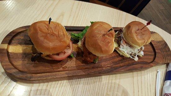 Braves All Star Grill: Tris di panini con pollo, maiale, vitello