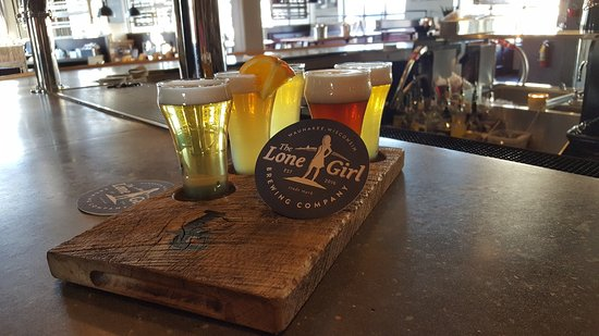 Waunakee, WI: Flight of beers
