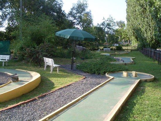 Vonyarcvashegy, Hungary: Derült időjárás esetén is kellemes szórakozásban lehet része...