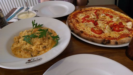 Rossella : Risotto on a good day and chicken pizza