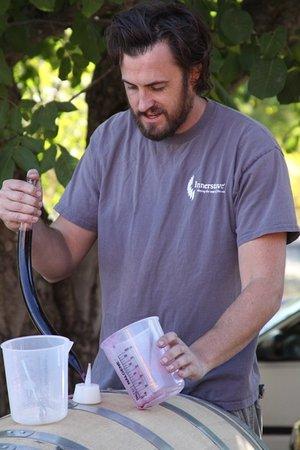 Plymouth, Kalifornien: Assistant Wine Maker Trevor