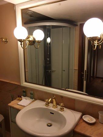 Hotel Lewald : Bagno molto pulito ed ordinato
