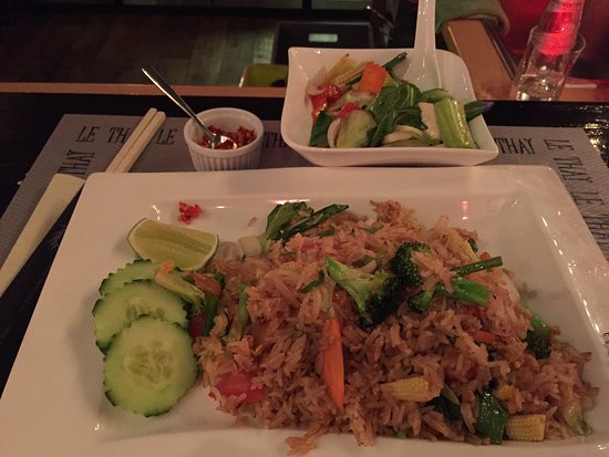Le Thai: Vegetable fried rice with extra vegetables