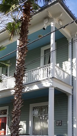 Arbor House Inn And Suites: Restored victorian homes