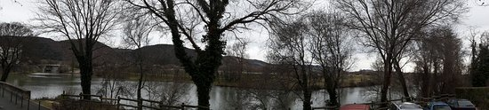La Roche de Glun, France: Vu de la terrasse du restaurant