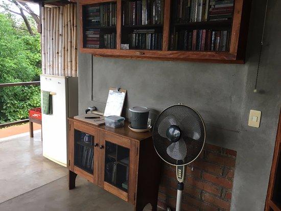 La Via Verde   Organic Farm And Bu0026B: Shared Patio With Books And Fridge
