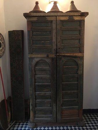 Dar Sienna: lovely kitchen cupboard
