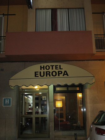 Hotel Europa : 駅に近いです