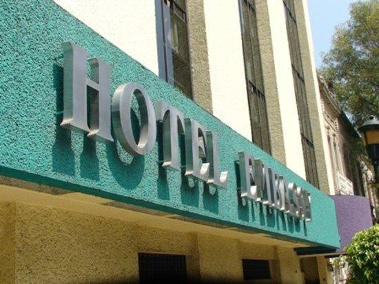 Hotel Embassy: entrada