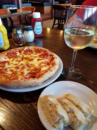 Lapeer, MI: Pizza, breadsticks, and wine.