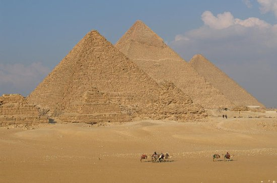 Giza Saqqara and Memphis Guided Day