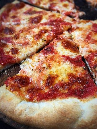 Bella Napoli Pizzeria Ristorante: photo1.jpg
