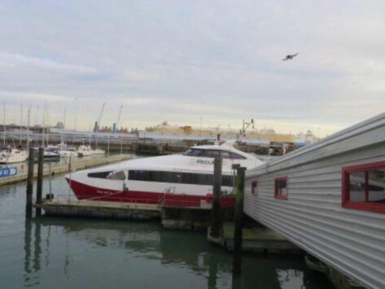 Red Funnel Ferries: photo0.jpg