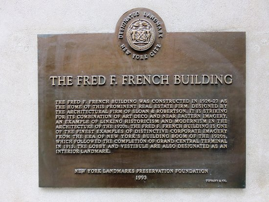 Fred F. French Building: New York Landmark Building plaque on 5th Ave. (03/Feb/17).