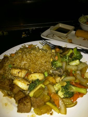 Tyrone, GA: Fried rice and vegetables with fillet mignon and scallops