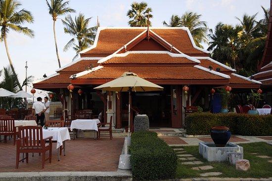 Samui Buri Beach Resort: (the only) restaurant of the hotel.