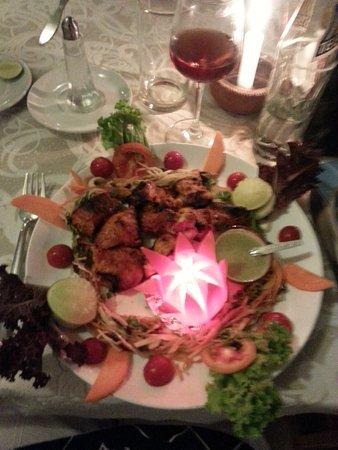 Relish: fish tikka with salad.