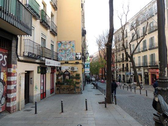 Plaza Lavapies : Morning