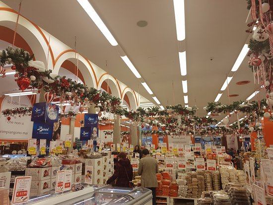 Sweets galore - Picture of Outlet Dolciario Via Torino, Milan ...