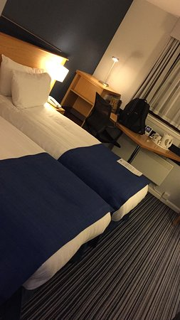 Holiday Inn Express Perth: photo1.jpg