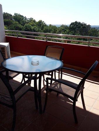 Linda-a-Velha, Portogallo: Terraza