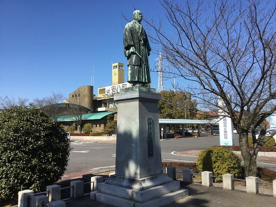 Monument of Eulogy of Bunsuke Wakisaka - Bronze Statue of Junichi Suzuki