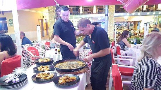 Restaurante Vives: 20160803_224336_large.jpg