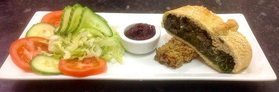 Dedham, UK: Spinach & Mushroom Wellington served on a bed of Sage & Onion