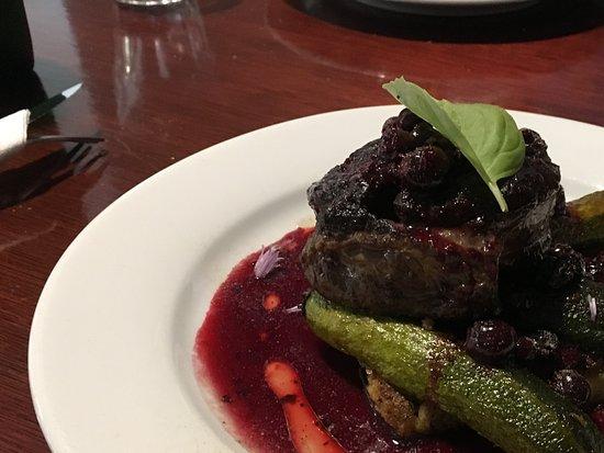 Tuatapere, Nova Zelândia: Chefs special - venison steak