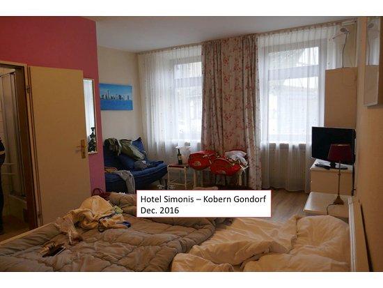 Kobern-Gondorf, Germany: Drie sterren kamer... eerder B&B kamer qua ruimte, interieur, en schoon zijn.