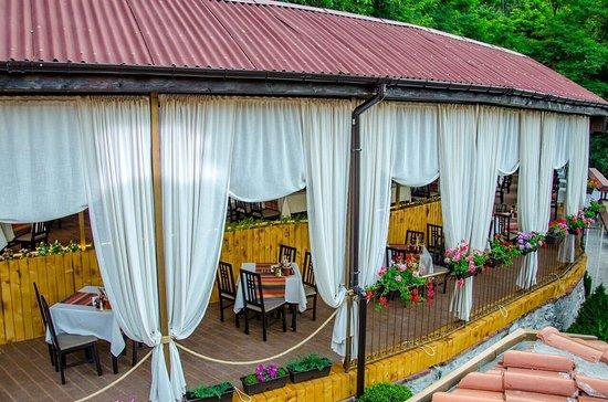 Asenovgrad, Bulgarije: image-0-02-05-4bd95866da51989306dbd78d98734cb97001997422d8fd5f18507f023e90198f-V_large.jpg