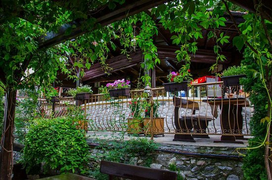 Asenovgrad, Bulgarije: image-0-02-05-98ae378eed0a71bac589240fb5b08ec2d3b14ccdb687b1c7a1f527a6b68a0898-V_large.jpg